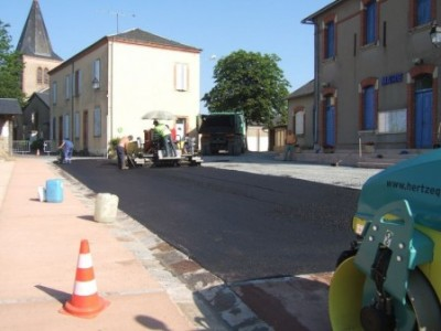 Aménagement de la place de la mairie à Paulinet dans le cadre d'une maitrise d'ouvrage déléguée - 2013