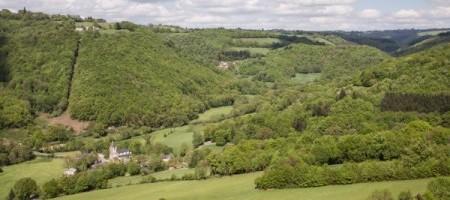 Vue sur le hameau de Saint-Jean-de-Jeanne à Paulinet