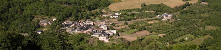 Vue sur le village de Miolles