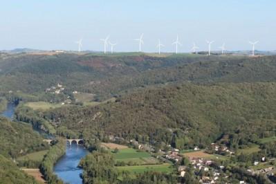 Vue sur la vallée du Tarn depuis Borie d'Astres sur la commune de Curvalle