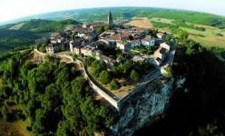 Vue aérienne de Puycelsi © CDT