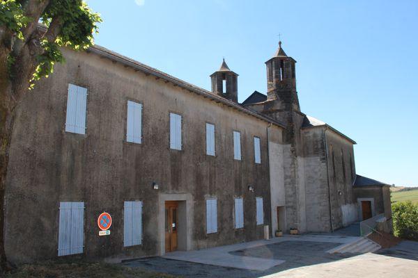 Chapelle de Massals vue de l'extérieur