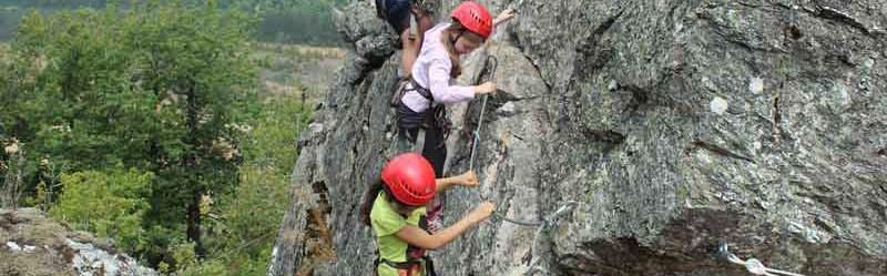 Sortie escalade à Mont-Roc dans le cadre des accueils de loisirs - 2013