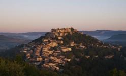 Cordes sur ciel, l'un des plus beaux villages de France © CRT MP D. Viet